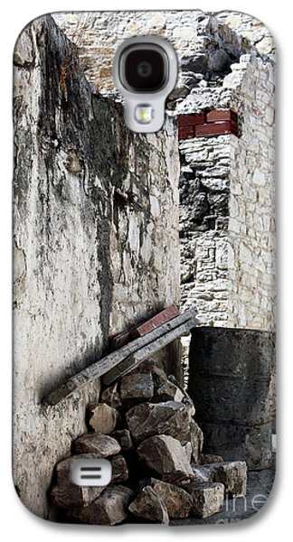 Artist Working Photo Photographs Galaxy S4 Cases - Working in Cyprus Galaxy S4 Case by John Rizzuto