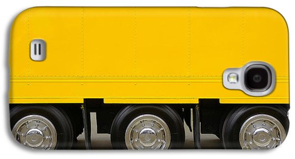 Truck Photographs Galaxy S4 Cases - Yellow Truck Galaxy S4 Case by Carlos Caetano