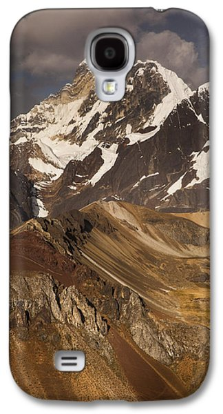 Mountain Photographs Galaxy S4 Cases - Yerupaja Chico 6121m In Cordillera Galaxy S4 Case by Colin Monteath