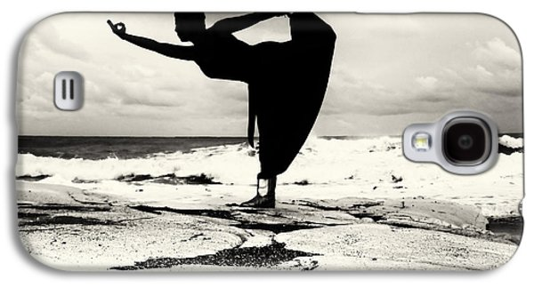 Posed Photographs Galaxy S4 Cases - Yoga Balance Galaxy S4 Case by Stylianos Kleanthous