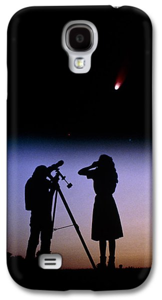 Observer Photographs Galaxy S4 Cases - Young People Observe A Bright Comet Galaxy S4 Case by John Sanford