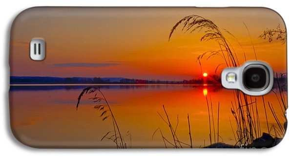 Sun Galaxy S4 Cases -  In the morning at 4.04 Galaxy S4 Case by Veikko Suikkanen