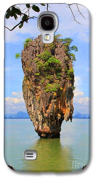 007 Island Galaxy S4 Case by Mark Ashkenazi