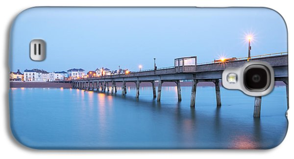 Landscapes Photographs Galaxy S4 Cases - Deal Pier Galaxy S4 Case by Ian Hufton