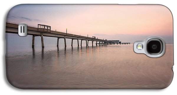 Landscapes Photographs Galaxy S4 Cases - Deal Pier Sunrise Galaxy S4 Case by Ian Hufton