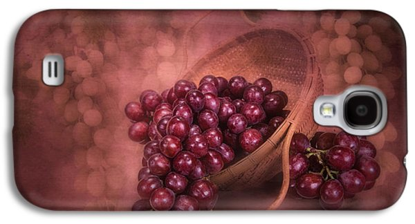 Grapes In Wicker Basket Galaxy S4 Case by Tom Mc Nemar