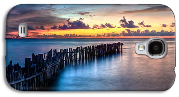 Dreamscape Galaxy S4 Cases - Isla Mujeres Magic Sunset Galaxy S4 Case by Riccardo Mantero