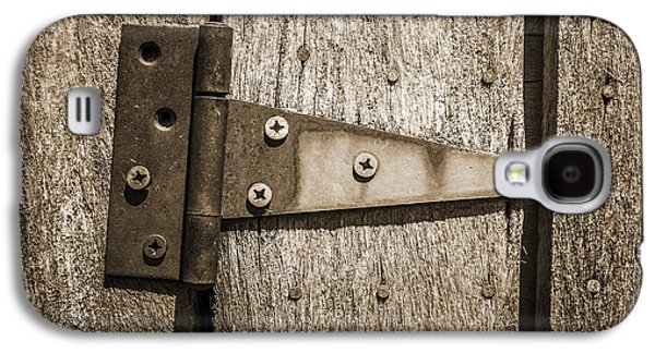 Log Cabin Interiors Galaxy S4 Cases - Rusty Hinge on Log Building Galaxy S4 Case by Donald  Erickson