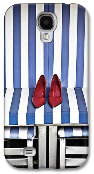 Chair Galaxy S4 Cases - Shoes In A Beach Chair Galaxy S4 Case by Joana Kruse