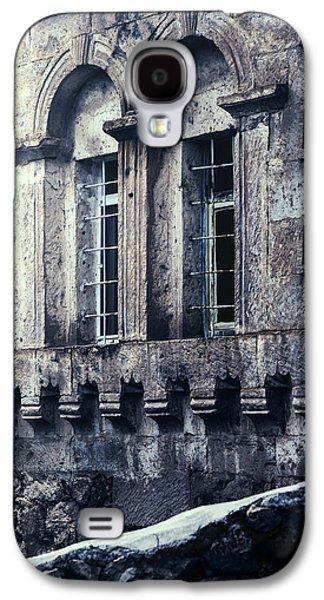 Grid Photographs Galaxy S4 Cases - Spooky House Galaxy S4 Case by Joana Kruse
