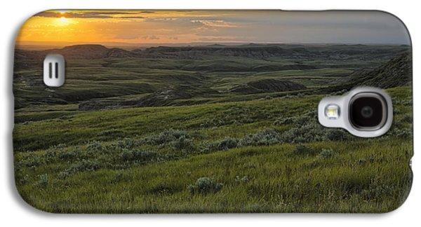 Sunset Over Killdeer Badlands Galaxy S4 Case by Robert Postma
