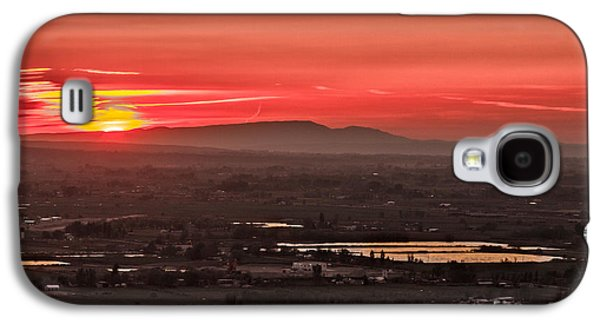 Haybale Galaxy S4 Cases - Valley Sunset Galaxy S4 Case by Robert Bales