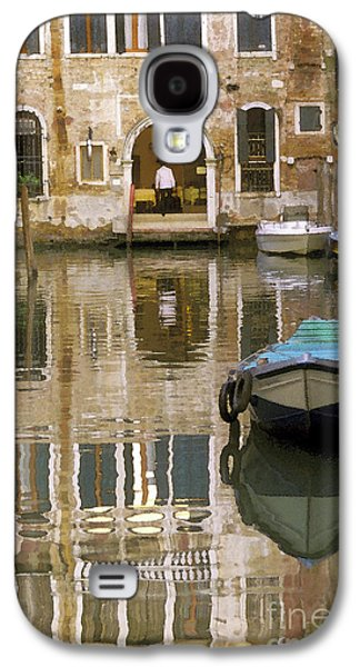 Boats In Water Galaxy S4 Cases - Venice Restaurant on a Canal  Galaxy S4 Case by Gordon Wood