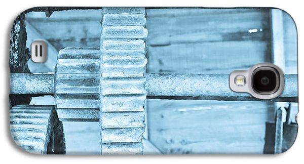 Mechanism Galaxy S4 Cases - Cog Galaxy S4 Case by Tom Gowanlock