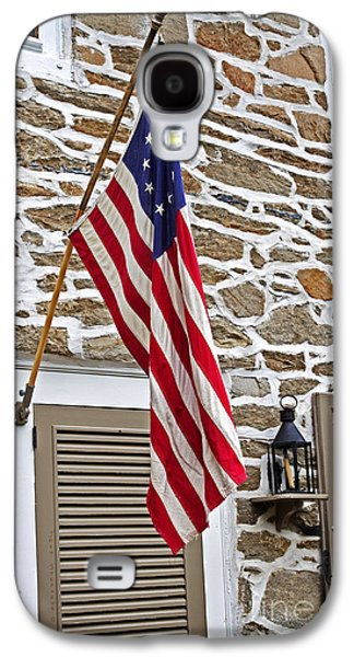 Betsy Galaxy S4 Cases - Colonial Stone House With Betsy Ross Flag Galaxy S4 Case by John Stephens