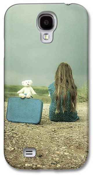 Girl Galaxy S4 Cases - Girl In The Dunes Galaxy S4 Case by Joana Kruse