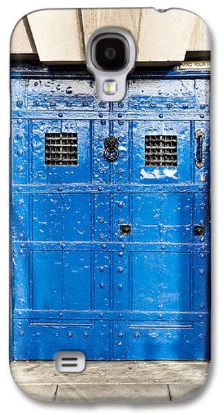 Old Blue Door Galaxy S4 Case by Tom Gowanlock