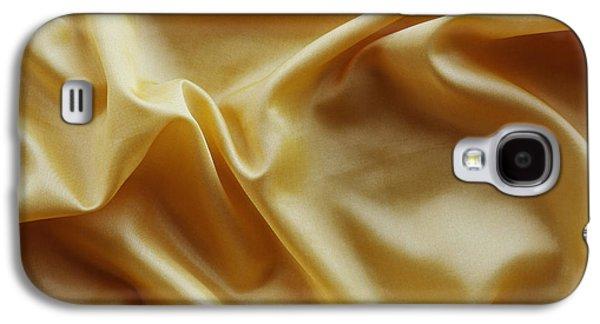 Cloth Galaxy S4 Cases - Silk Galaxy S4 Case by Les Cunliffe
