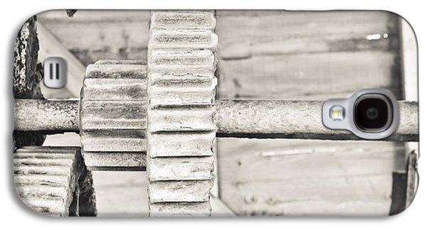 Transmission Galaxy S4 Cases - Cog Galaxy S4 Case by Tom Gowanlock