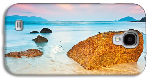 Ocean Shore Galaxy S4 Cases - Sunrise Galaxy S4 Case by MotHaiBaPhoto Prints