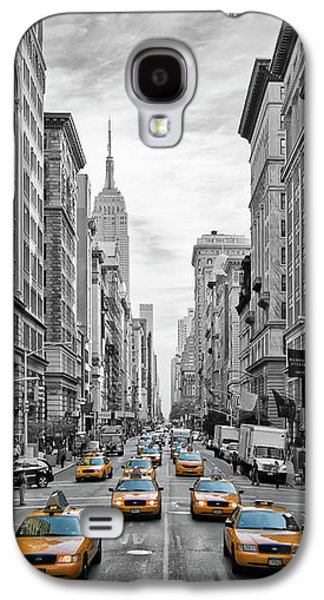 5th Avenue Yellow Cabs - Nyc Galaxy S4 Case by Melanie Viola