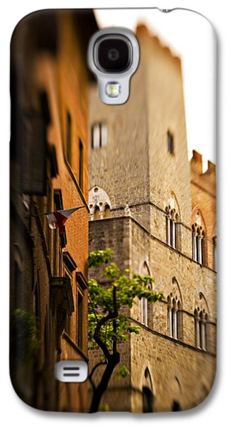 Sienna Italy Galaxy S4 Cases - A Tree Grows Galaxy S4 Case by Marilyn Hunt