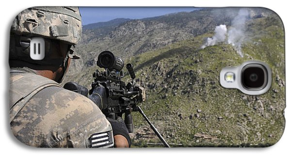 Terrorism Galaxy S4 Cases - A U.s. Army Grenadier Scans A Nearby Galaxy S4 Case by Stocktrek Images