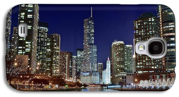 Wrigley Field Galaxy S4 Cases - A View Down the Chicago River Galaxy S4 Case by Frozen in Time Fine Art Photography