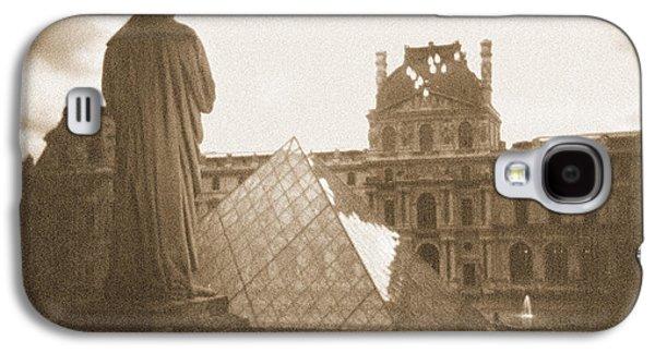 A Walk Through Paris 16 Galaxy S4 Case by Mike McGlothlen