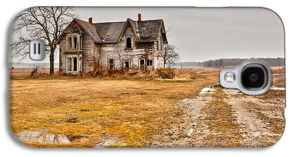 Creepy Photographs Galaxy S4 Cases - Abandoned Farm House Galaxy S4 Case by Cale Best