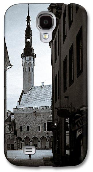 Tallinn Galaxy S4 Cases - Alone in Tallinn Galaxy S4 Case by Dave Bowman