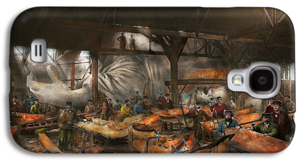 Landmarks Photographs Galaxy S4 Cases - Americana - The creation of Liberty - 1882 Galaxy S4 Case by Mike Savad