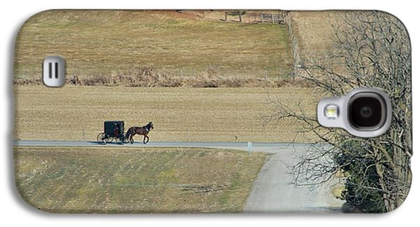 Amish Family Photographs Galaxy S4 Cases - Amish Horse And Buggy On A Country Road Galaxy S4 Case by Dan Sproul