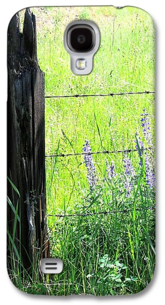 Old Fence Posts Galaxy S4 Cases - Antique Fence Post Galaxy S4 Case by Will Borden