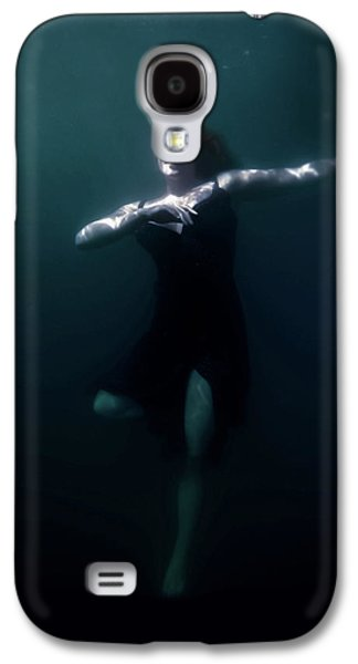 Dancing Under The Water Galaxy S4 Case by Nicklas Gustafsson