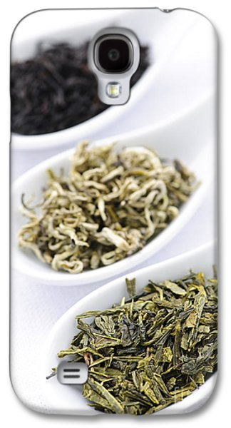 Dried Photographs Galaxy S4 Cases - Assortment of dry tea leaves in spoons Galaxy S4 Case by Elena Elisseeva