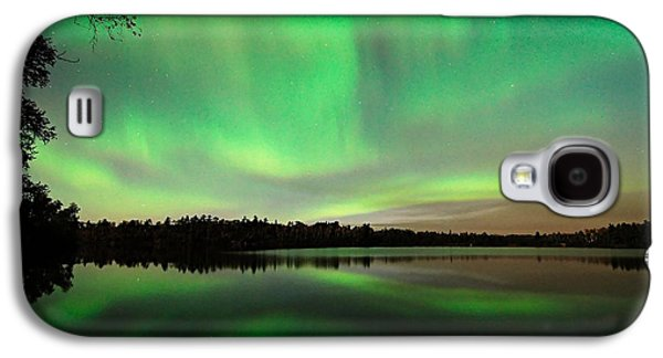 Aurora Over Tofte Lake Galaxy S4 Case by Larry Ricker