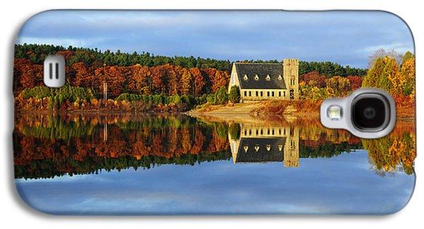 Green Galaxy S4 Cases - Autumn Sunrise at Wachusett Reservoir Galaxy S4 Case by Luke Moore