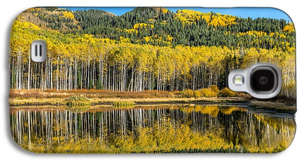 Autumn Trees Reflecting On Willow Lake In Utah Galaxy S4 Case by James Udall