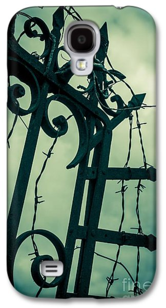 Barbed Wire Gate Galaxy S4 Case by Carlos Caetano
