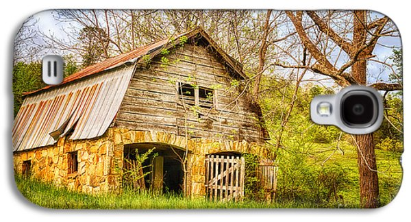 Landscapes Photographs Galaxy S4 Cases - Barn On A Hillside Galaxy S4 Case by Priscilla Burgers