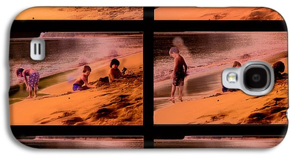 Water Play Galaxy S4 Cases - Beach Memories Galaxy S4 Case by Madeline Ellis