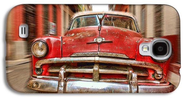 Sports Photographs Galaxy S4 Cases - Beaten red and white old Cuban auto in Havana, Cuba Galaxy S4 Case by Mikko Palonkorpi