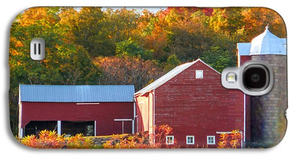 Beautiful Red Barn 2 Galaxy S4 Case by Lanjee Chee