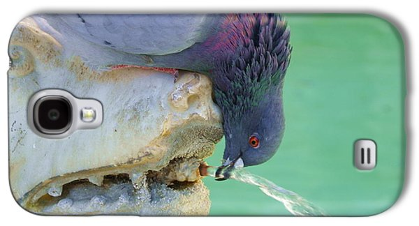 Sharing With A Bird Galaxy S4 Case by Rose Cooper