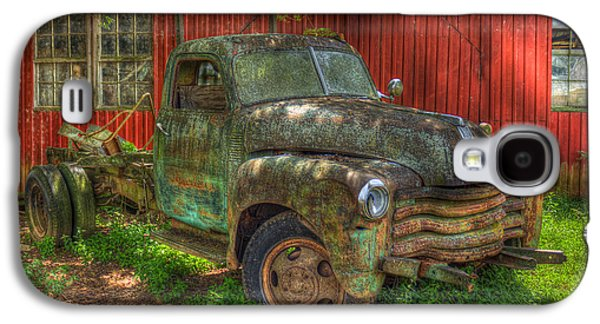 Transportation Photographs Galaxy S4 Cases - Blind In One Eye 1947 Chevy Flatbed Truck Galaxy S4 Case by Reid Callaway