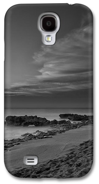 Calm Photographs Galaxy S4 Cases - Blowing Rocks Black and White Sunrise Galaxy S4 Case by Andres Leon