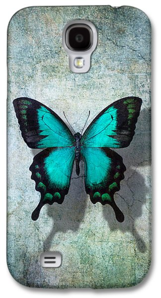 Blue Butterfly Resting Galaxy S4 Case by Garry Gay