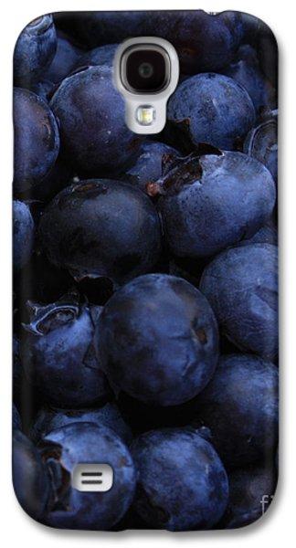 Blueberries Close-up - Vertical Galaxy S4 Case by Carol Groenen