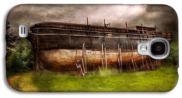 Suburbanscenes Galaxy S4 Cases - Boat - The construction of Noahs Ark Galaxy S4 Case by Mike Savad